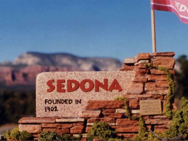 welcome to Sedona sign Sun Signs